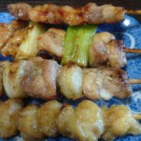 彦根の平和堂フレンドマート大藪に来ている出張焼き鳥屋の竜鳳。期間限定、鶏のハツ串を食べました。
